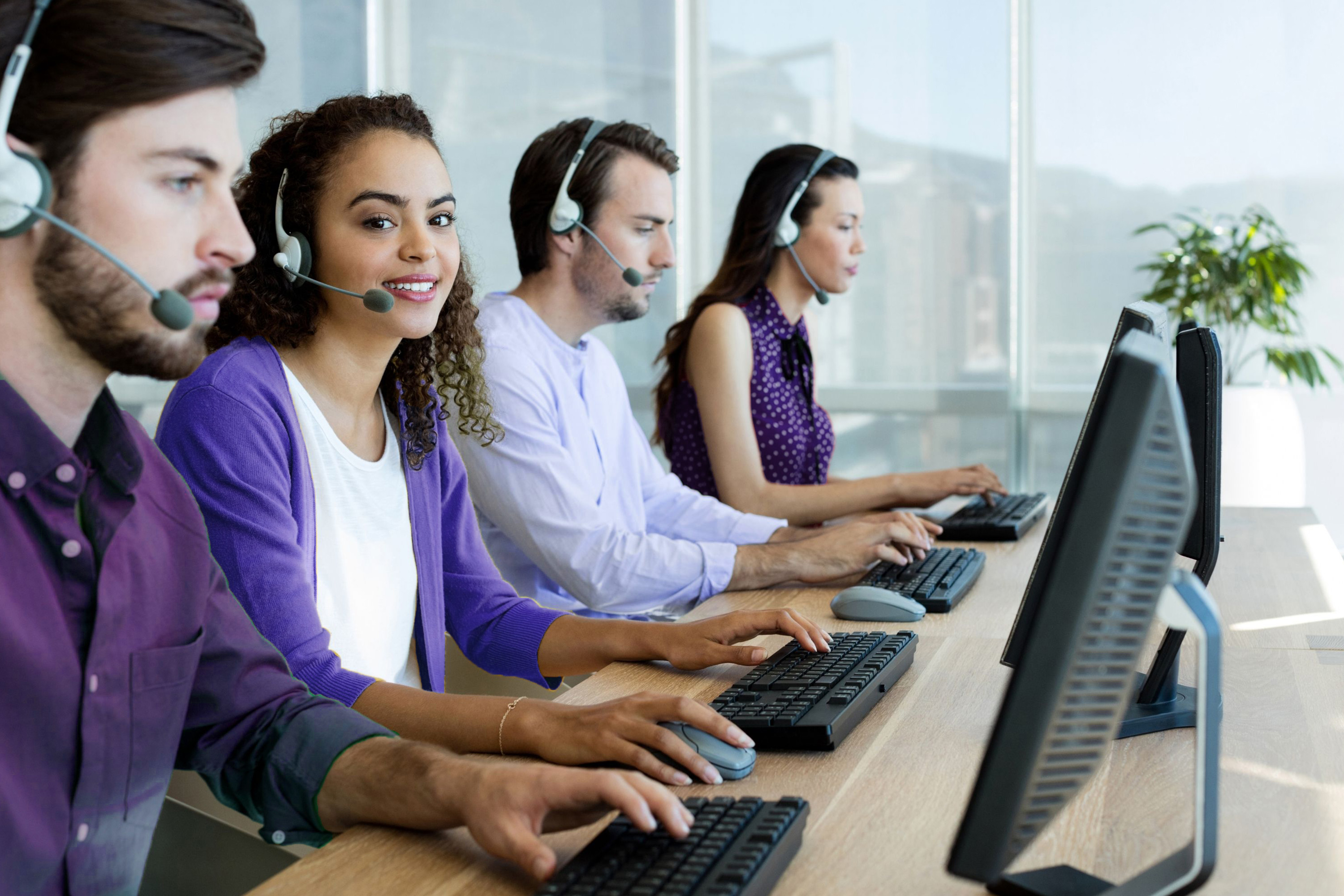 Workdom - Blog - How to Deliver an Exceptional Customer Service Experience 3000x2000 06112021